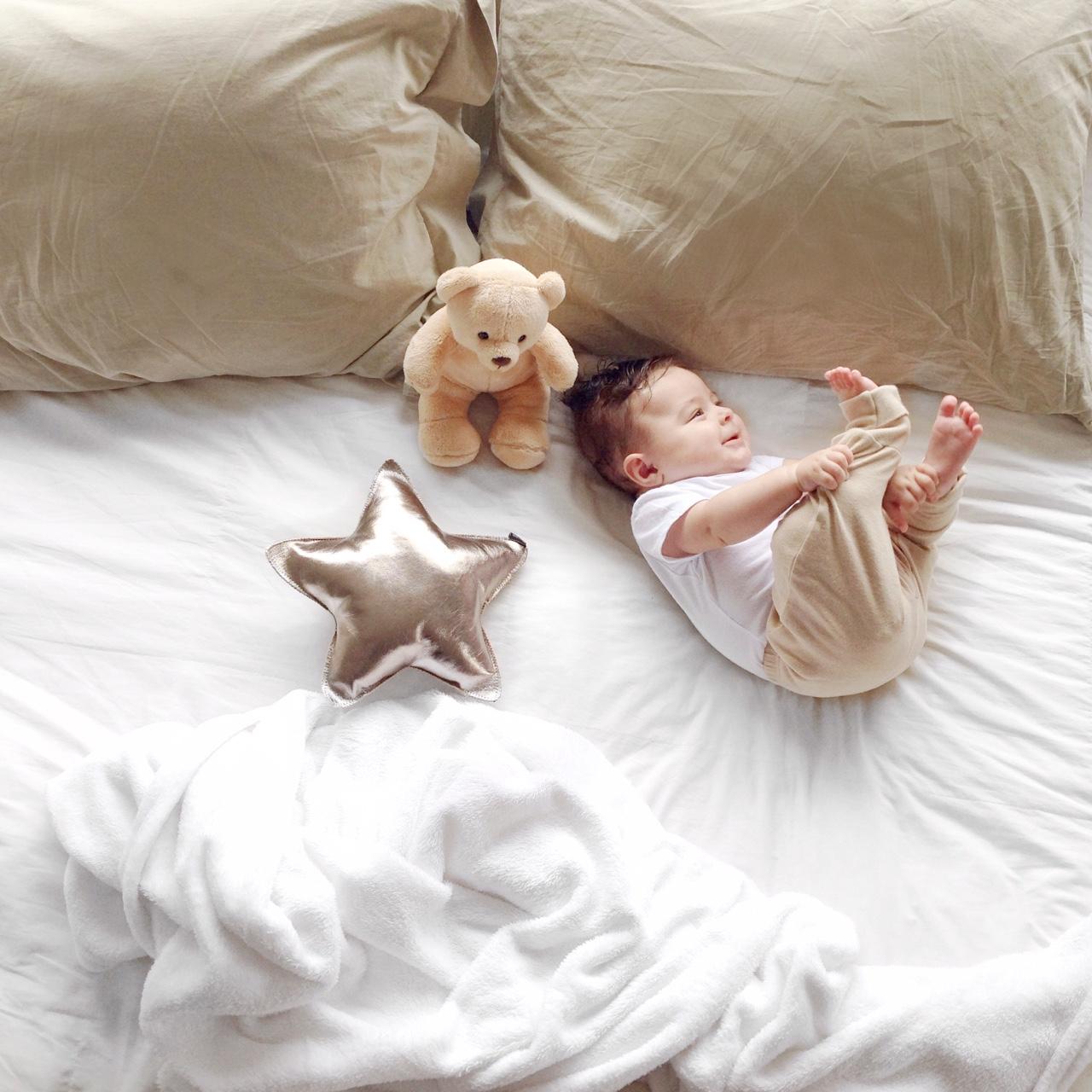o bebê de cinco meses