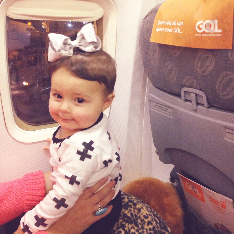 dicas para viajar de avião com bebês