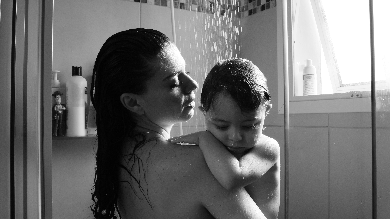 banho de chuverio no bebe